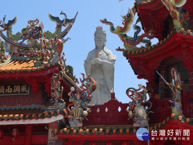 the 32.2 meter-tall Goddess Mazu statue of Qinghai Temple