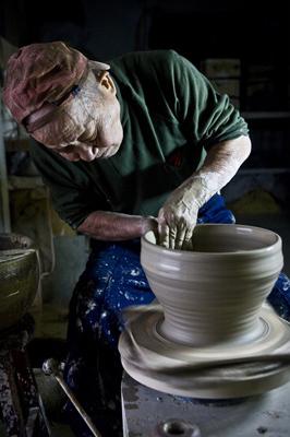 銅牌-邱信傑-老陶師製陶