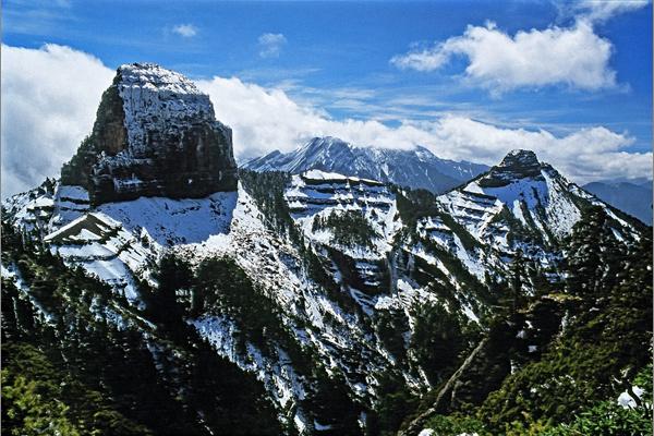 銅獎-游竹錦-大小霸尖山雪景